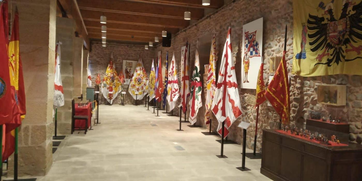 Una exposición en Santo Domingo recorre la historia de la bandera española 3