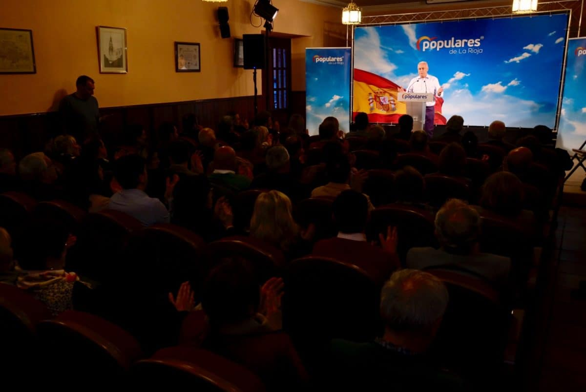Ceniceros destaca en la presentación de la candidatura a la Alcaldía de Santo Domingo los más de 50 millones de euros invertidos en la comarca 2