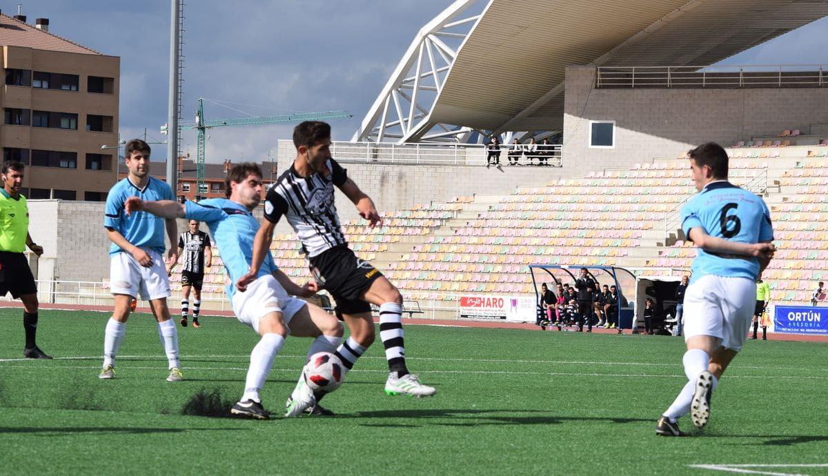 El Haro golea al Arnedo antes de encarar el reto del playoff 8