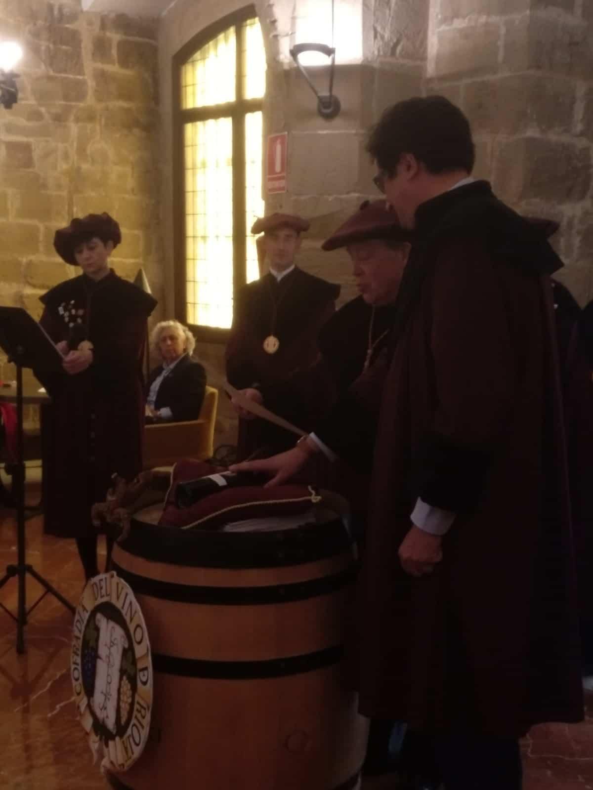 La Cofradía del Vino de Rioja nombra Cofrade de Honor a la Red de Paradores de España 1