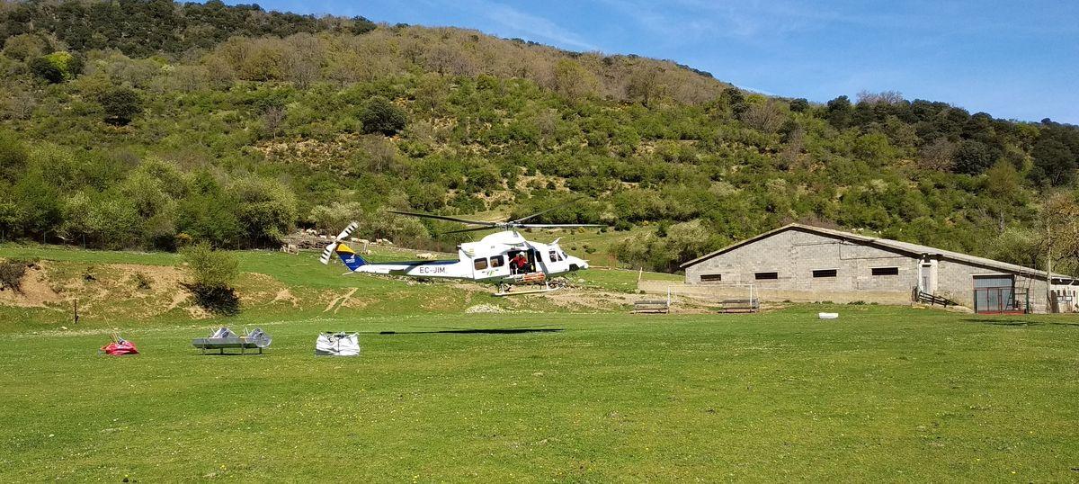 Medio Natural construye varios abrevaderos en el Alto Najerilla con la ayuda del helicóptero de lucha contra incendios forestales 1