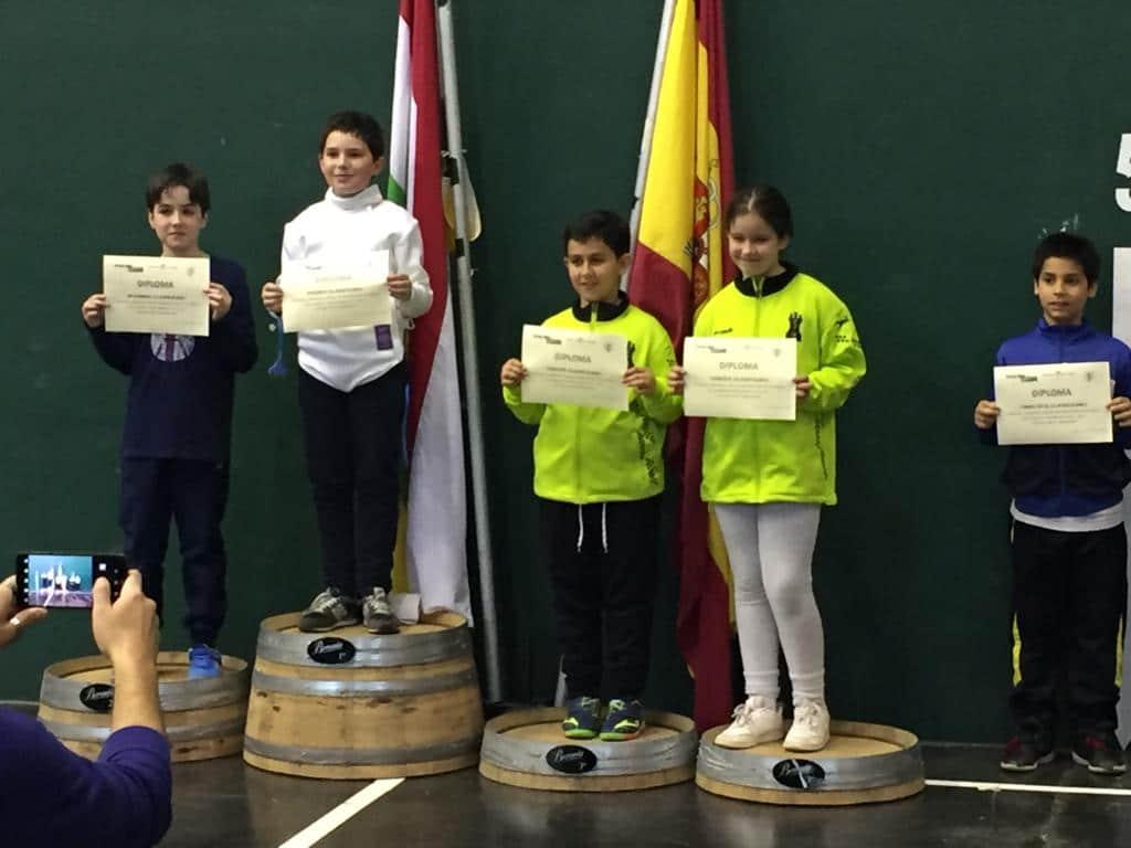 Roberto Codón y Jessica del Campo, ganadores del VI Torneo Ciudad de Haro de Esgrima 3