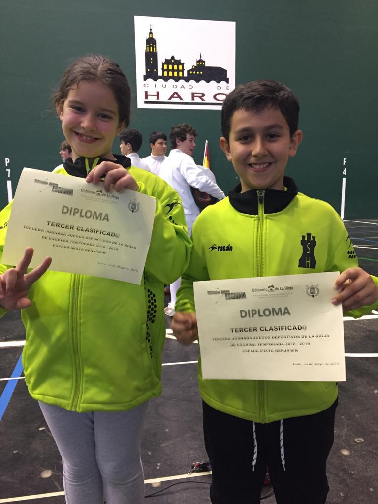 Roberto Codón y Jessica del Campo, ganadores del VI Torneo Ciudad de Haro de Esgrima 4