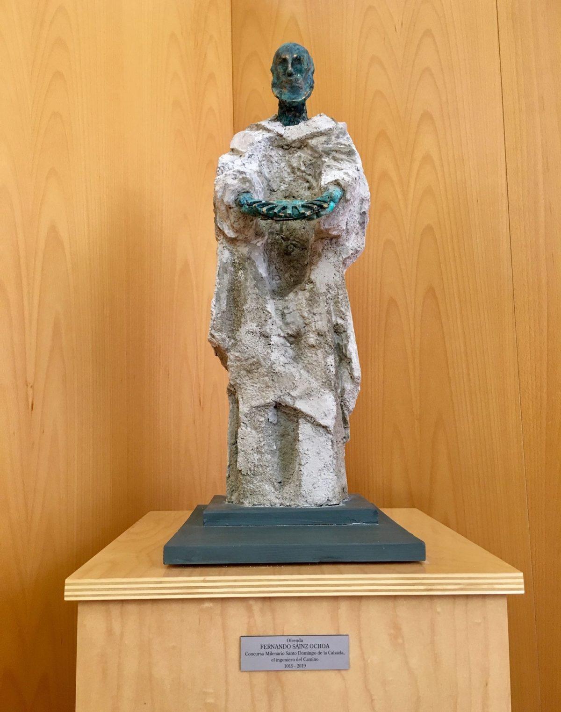 El artista riojano Fernando Sáinz Ochoa dona la escultura de Santo Domingo de la Calzada a La Rioja 1