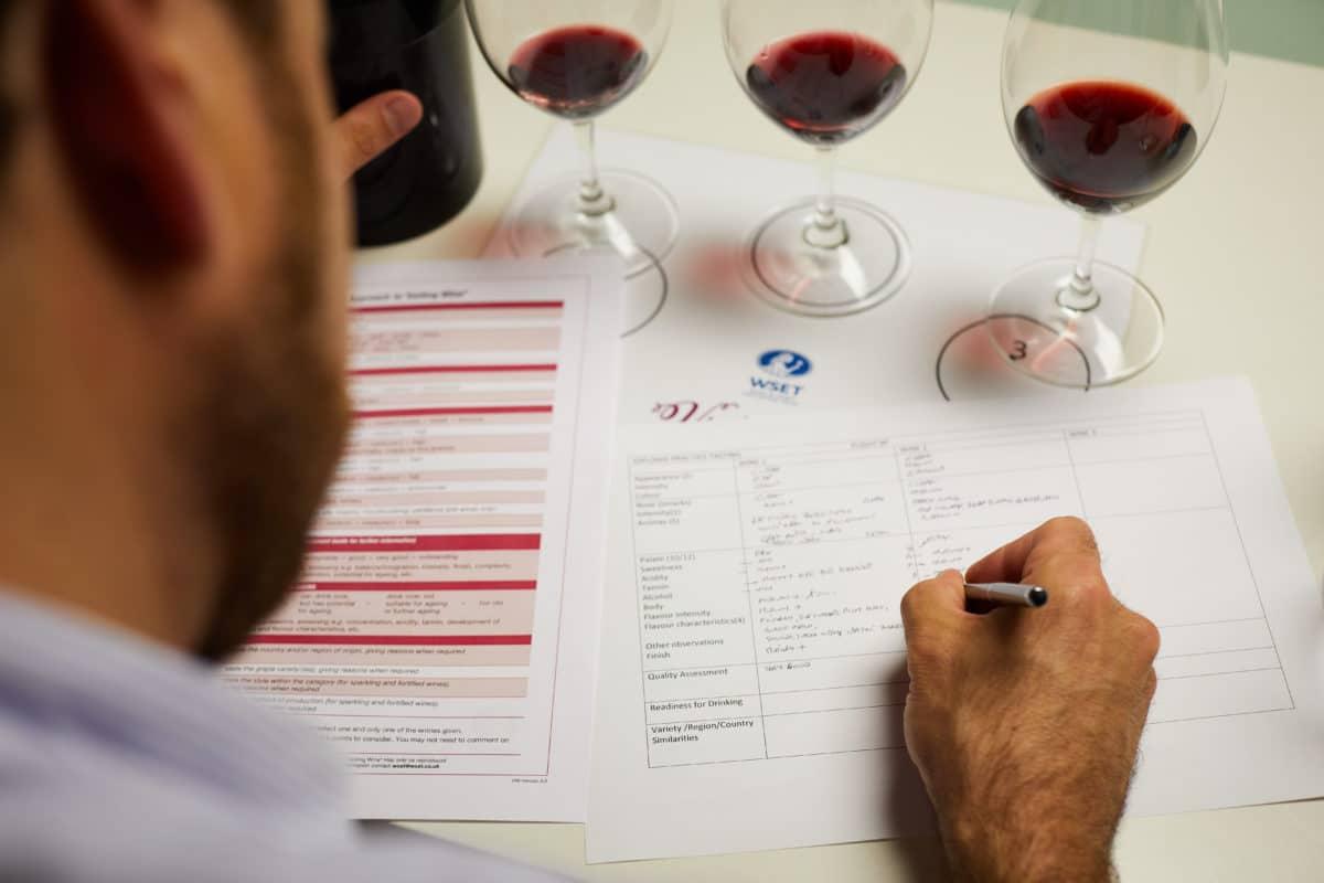Frank Smulders impartirá una cata preparatoria del Wine&Spirit Education Trust en Gómez Cruzado 1