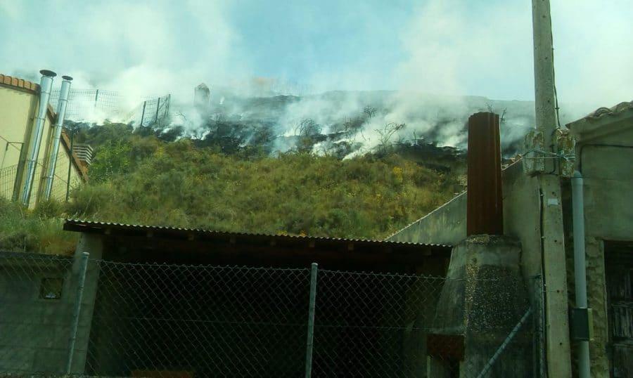 Incendio en una finca de cereal en Herramélluri 2