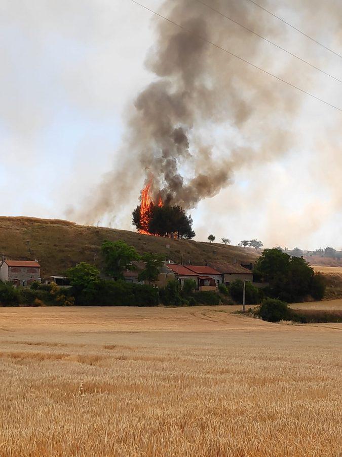 Incendio en una finca de cereal en Herramélluri 3