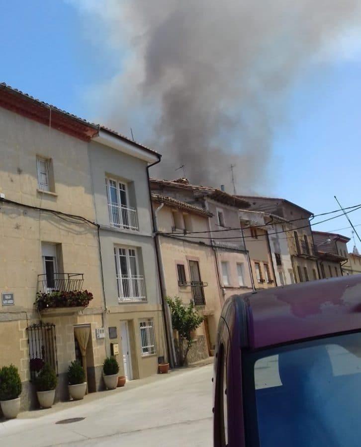 Incendio en una finca de cereal en Herramélluri 5