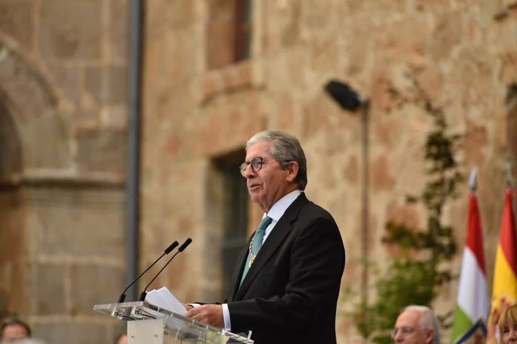 López de Silanes recibe la distinción de Riojano Ilustre 4