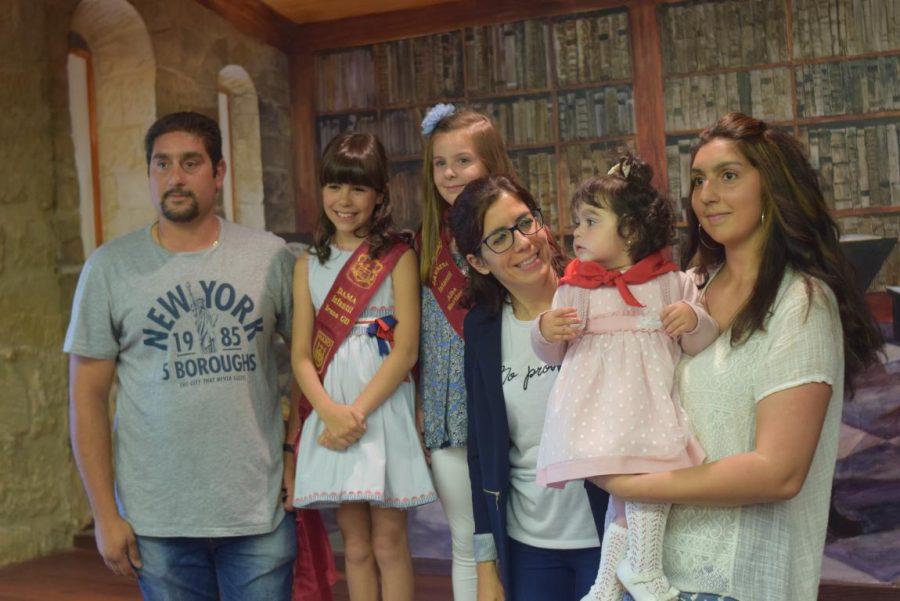 48 niños y niñas reciben su primer pañuelo de fiestas de Haro 15