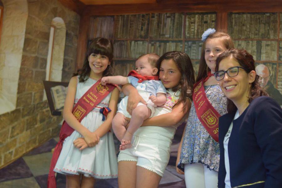 48 niños y niñas reciben su primer pañuelo de fiestas de Haro 25
