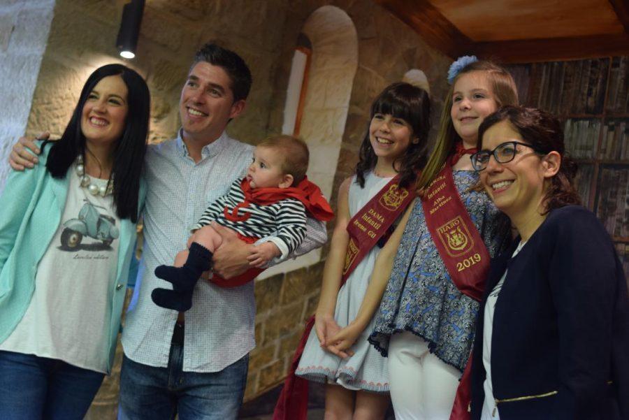 48 niños y niñas reciben su primer pañuelo de fiestas de Haro 33