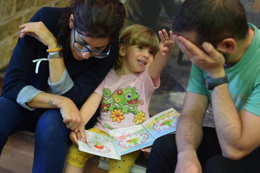 48 niños y niñas reciben su primer pañuelo de fiestas de Haro 43