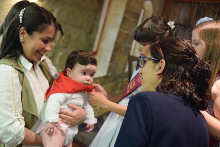48 niños y niñas reciben su primer pañuelo de fiestas de Haro 53