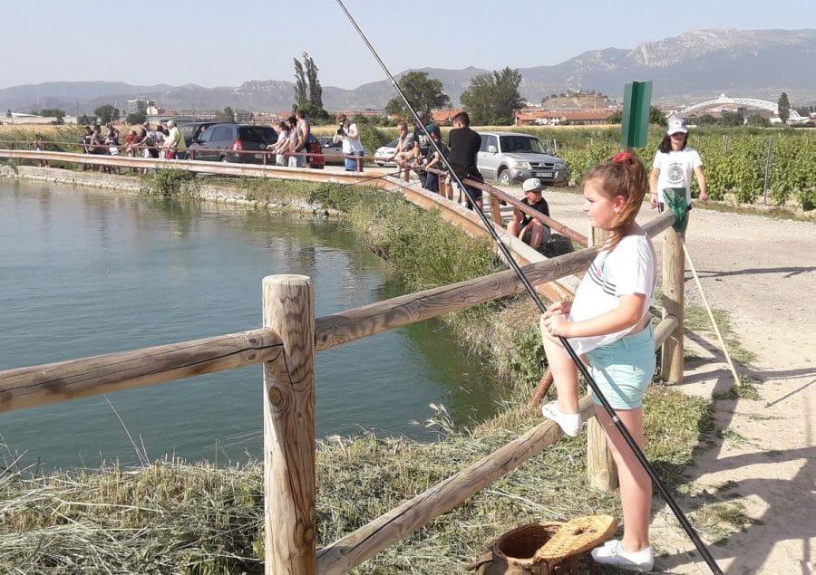 Más de 40 participantes en los concursos infantiles de pesca 1