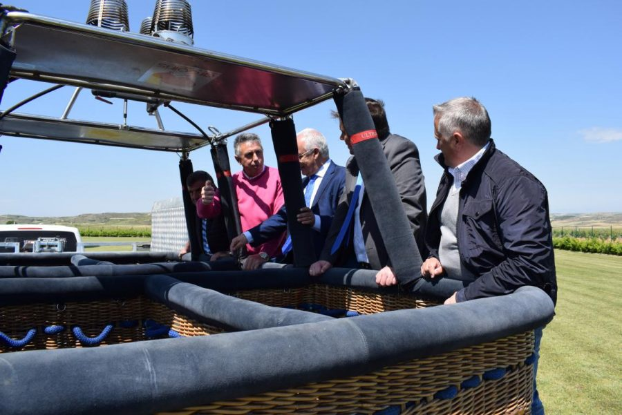 Globos Arcoiris inaugura en Cuzcurrita su base en tierra 15