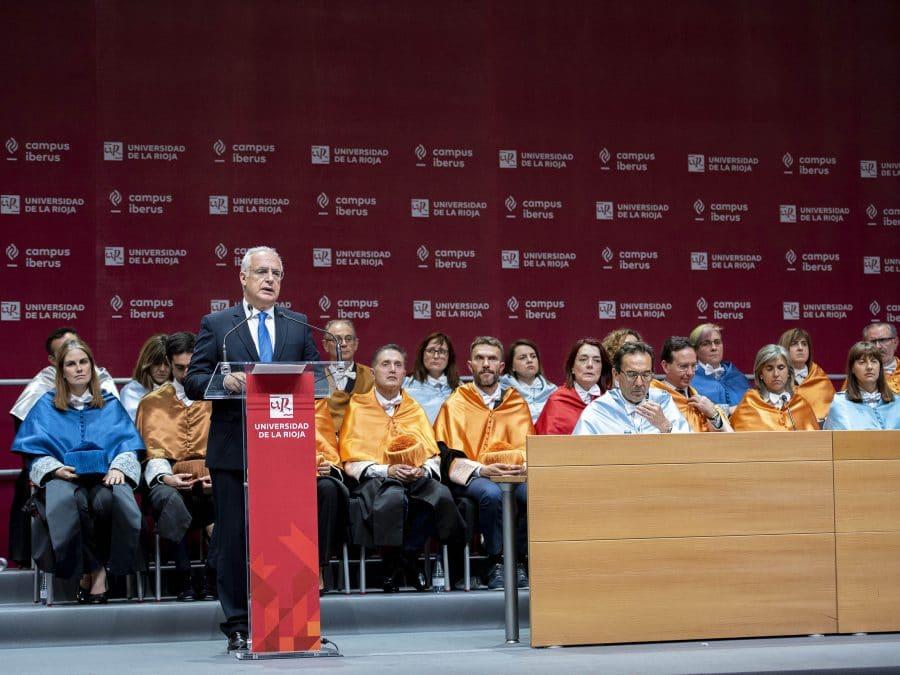 """Los 700 titulados de la UR, el """"germen para transformar y mejorar la sociedad"""" 3"""