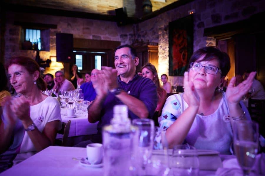 Lara Vizuete pone melodía a la gastronomía de La Vieja Bodega 16