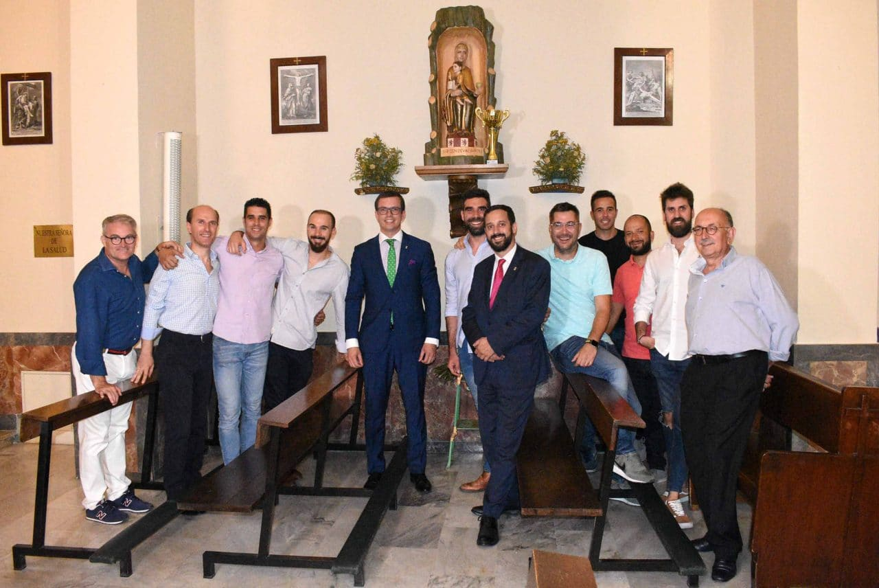 El Centro Riojano de Madrid celebra por todo lo alto el éxito de su equipo de fútbol 2