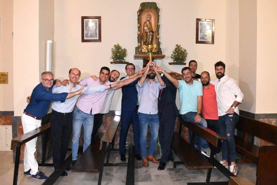 El Centro Riojano de Madrid celebra por todo lo alto el éxito de su equipo de fútbol 4
