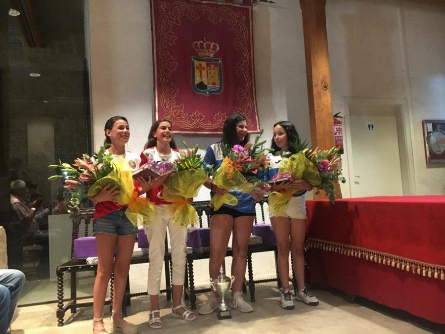 Homenaje en Santo Domingo a las campeonas de España de pelota femenina 2