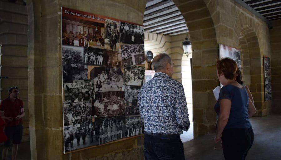 El Ayuntamiento de Haro instala tres nuevos paneles de fotografías antiguas de la ciudad 2