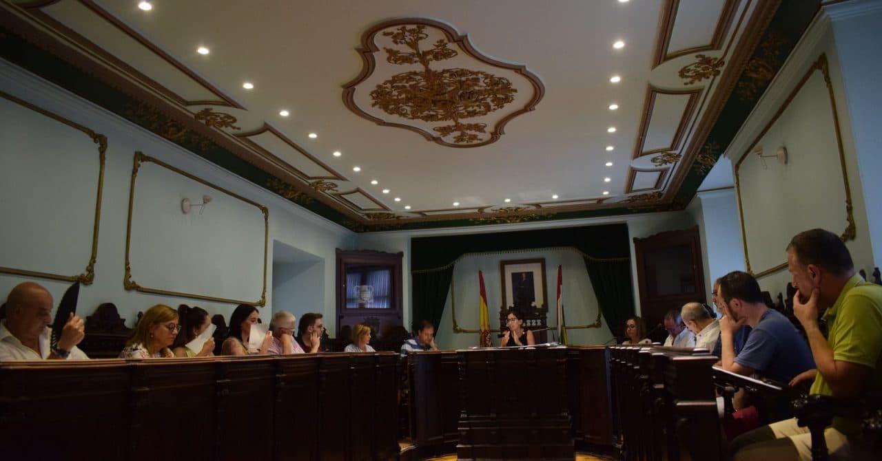 """Asenjo acusa al equipo de gobierno de emplear el dinero público en """"carne y circo"""" 2"""