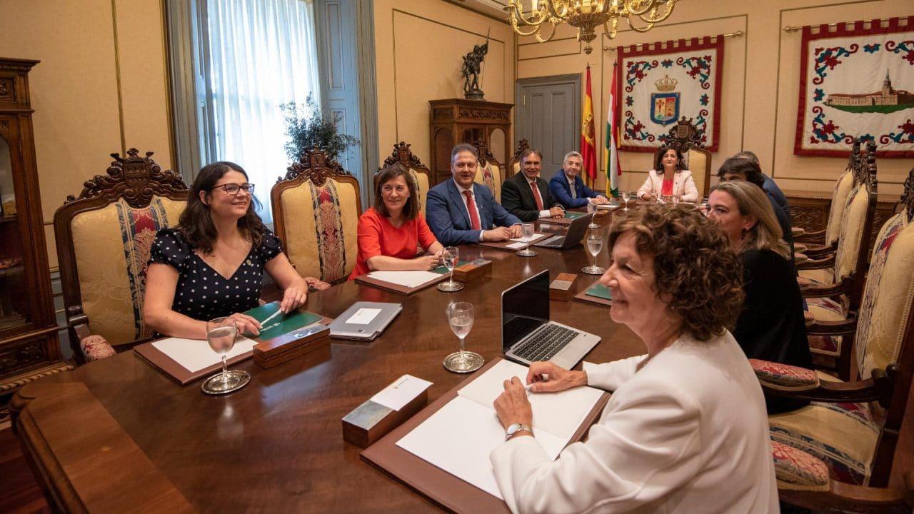 """""""La Rioja debe coger el tren del progreso, de la innovación y de la igualdad"""" 1"""