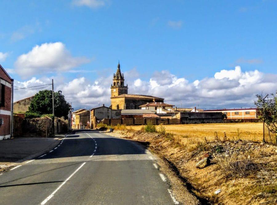 Caminando entre viñedos hasta Zarratón 12