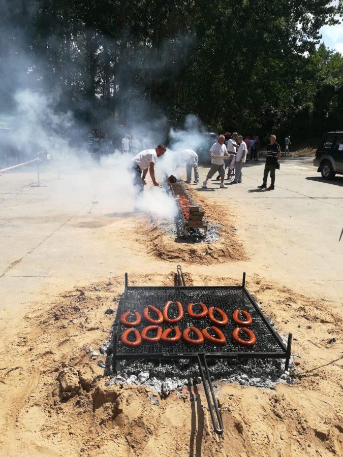 Más de 2.000 bocadillos para celebrar el festival del chorizo de Camprovín 1