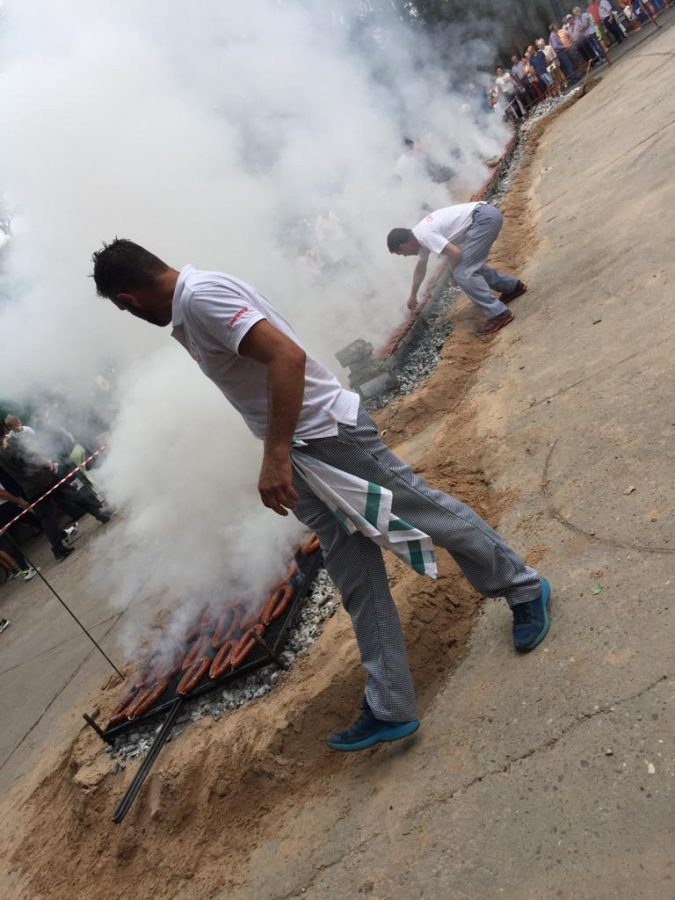 Más de 2.000 bocadillos para celebrar el festival del chorizo de Camprovín 11