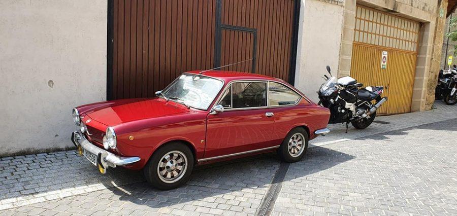 Anguciana se convierte en un gran museo al aire libre de coches antiguos 7