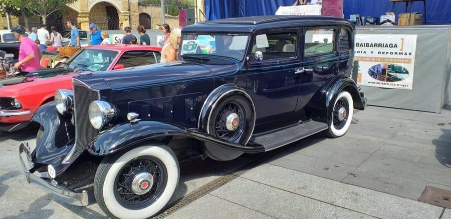 Anguciana se convierte en un gran museo al aire libre de coches antiguos 14