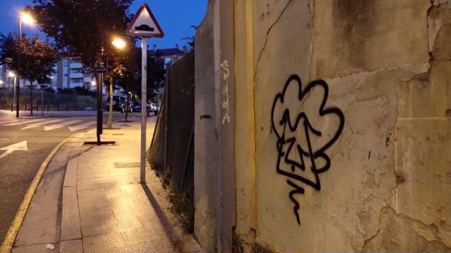 La Policía Local de Haro busca al 'artista' de estas pintadas 2