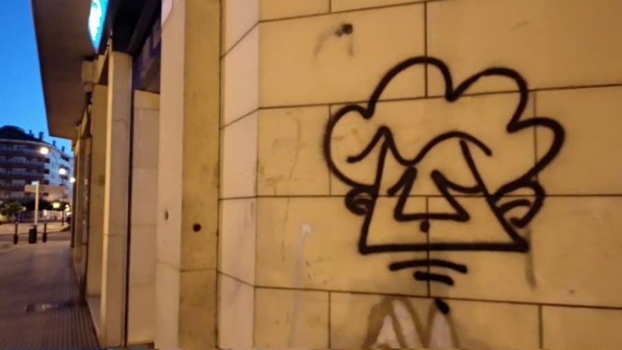 La Policía Local de Haro busca al 'artista' de estas pintadas 3
