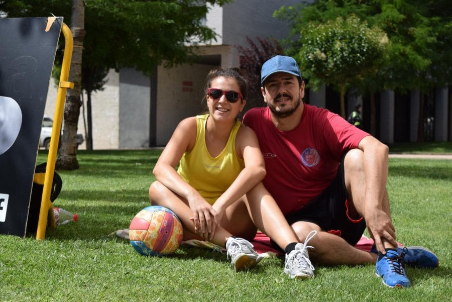 FOTOS: Voleibol a pie de calle en Haro 9