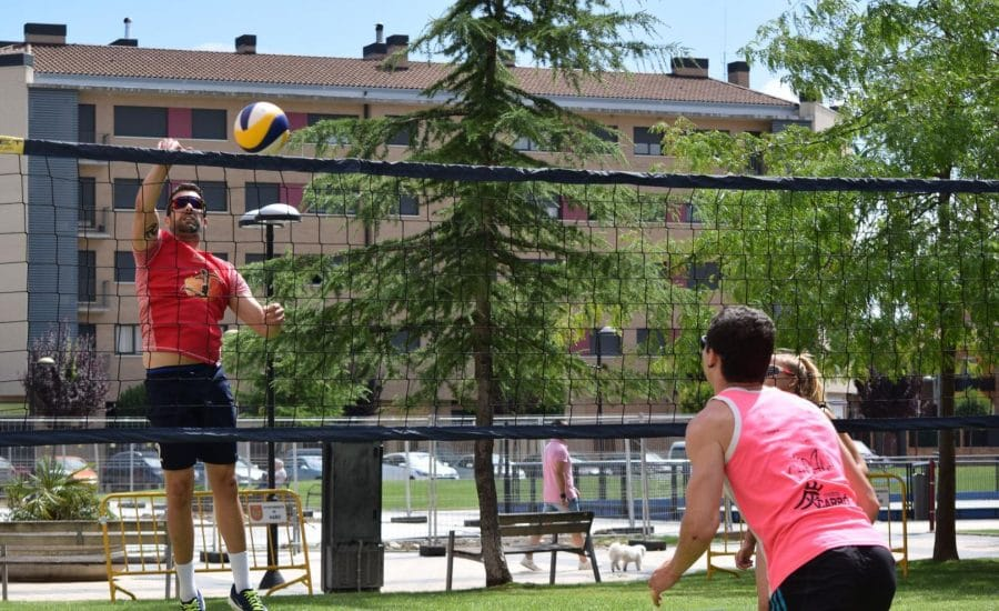 FOTOS: Voleibol a pie de calle en Haro 11