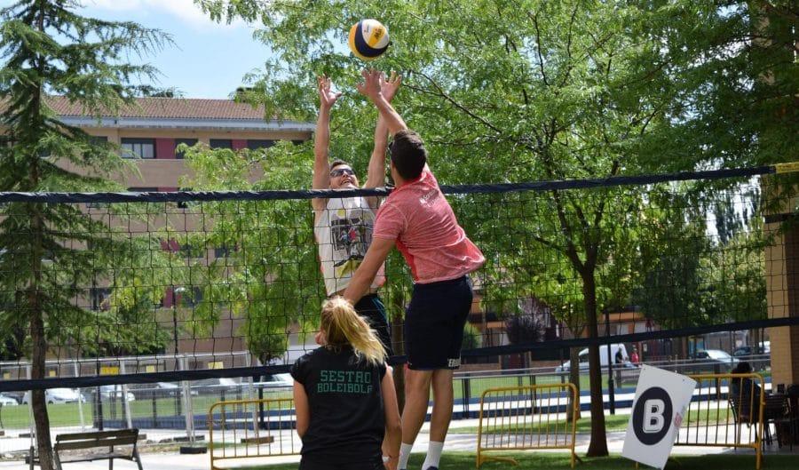 FOTOS: Voleibol a pie de calle en Haro 14