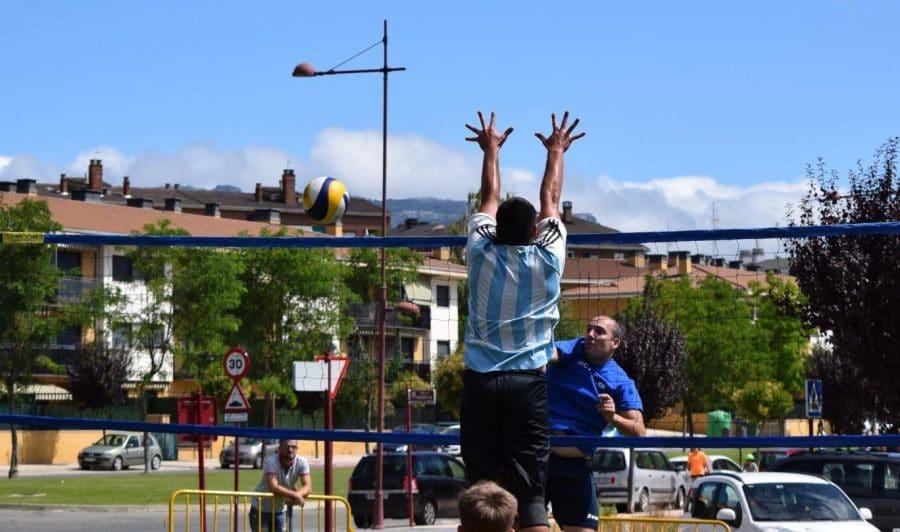 FOTOS: Voleibol a pie de calle en Haro 15