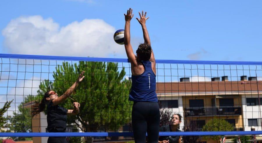 FOTOS: Voleibol a pie de calle en Haro 25