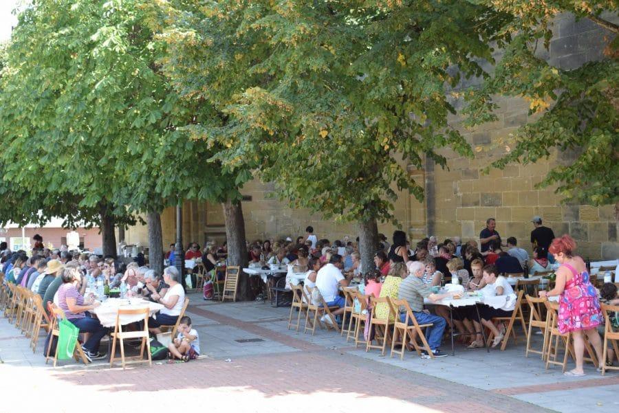 El Barrio de las Huertas cierra sus fiestas con una concurrida comida de hermandad 1