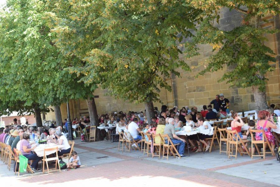 El Barrio de las Huertas cierra sus fiestas con una concurrida comida de hermandad 3