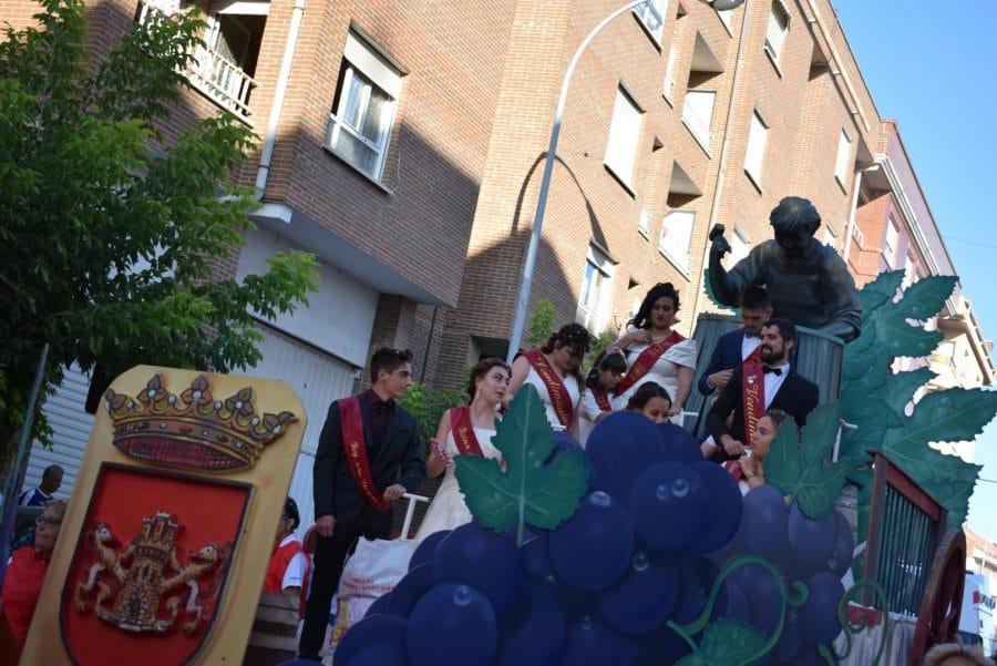 Fantasía y colorido en el desfile de carrozas de Haro 3