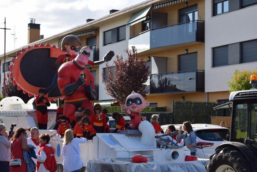 Fantasía y colorido en el desfile de carrozas de Haro 4