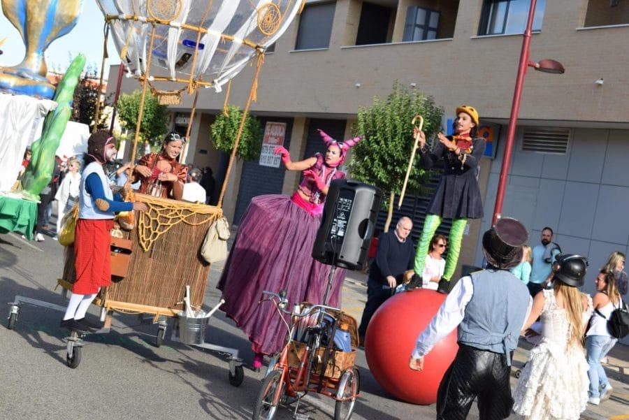 Fantasía y colorido en el desfile de carrozas de Haro 9