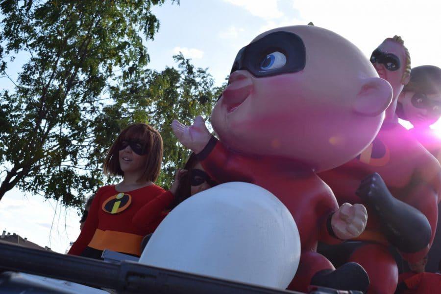 Fantasía y colorido en el desfile de carrozas de Haro 10