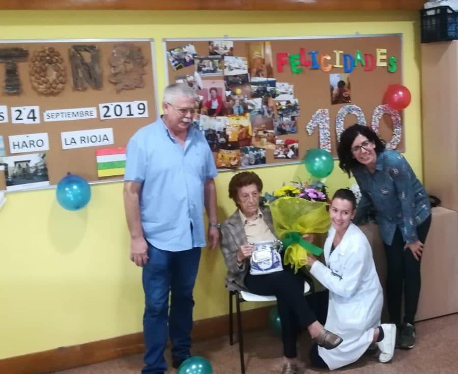 Pilar Porres celebra su cien cumpleaños en el Hogar Madre de Dios 1