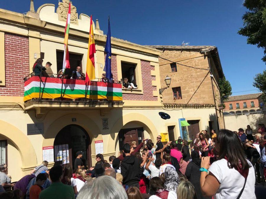 """Casalarreina se entrega a la fiesta: """"¡Viva la Virgen del Campo!"""" 3"""