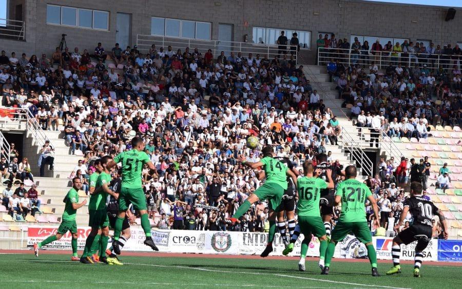 El Burgos CF arranca un punto ante el Haro con diez jugadores 7
