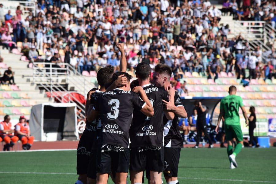 El Burgos CF arranca un punto ante el Haro con diez jugadores 8